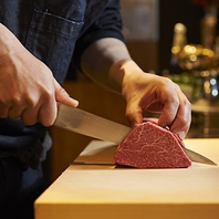 お肉は注文してから丁寧に手切れしてご提供しております
