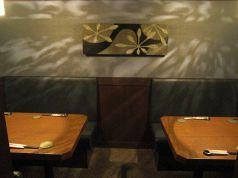 テーブル席の個室も広々使えます。