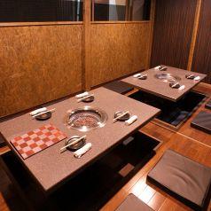 8名様用個室は中規模宴会に。