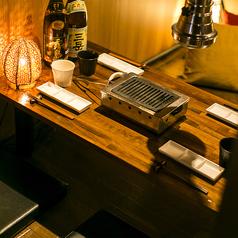 当店の4名様用個室は大変ご好評頂いております。接待や女子会にバツグン!お得なクーポンご利用で今夜の宴会がさらにグレードアップ♪渋谷駅からすぐのアクセス抜群の完全個室席で最高のひとときをお過ごし下さいませ。お得な90分食べ放題2480円~是非ご利用下さいませ。