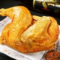 炭旬のおすすめ★仕込み丸一日!若鶏半身揚げ!皮はパリッと、中はとってもジューシーな自慢の一品!秘伝の辛味噌を添えてご提供致します!お子様から大人までお楽しみ頂ける人気メニューです!