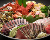 土佐の郷土料理の王道【皿鉢】