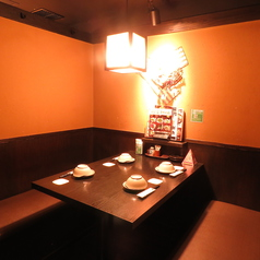 テーブル席の完全個室。2~4名様用、2部屋ご用意しております。掘りごたつが苦手なお客様は、事前にご予約いただければ優先して承ります。