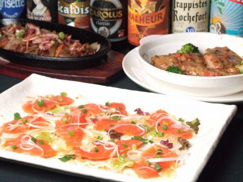 豊富なワインとお酒を、イタリアンベースの創作料理と楽しめるお店