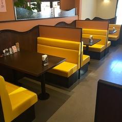 4名様用のボックス席が6テーブルございます。※お子様用の椅子を追加もできます。