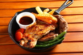 料理メニュー写真ハングリー牛ステーキ&チキンテンダーステーキ