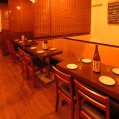 レイアウト自由なテーブル席は使い勝手も◎おひとり様でのサク飲みから歓送迎会、会社宴会などのご宴会まで様々なシーンでご利用いただけます。