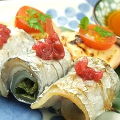 料理メニュー写真太刀魚しそ巻き