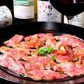 料理メニュー写真伊万里牛のカルパッチョ/チーズの盛り合わせ