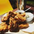 居酒屋定番!鳥の唐揚げオススメの食べ方は、マヨ豆板醤をデップして食べてハイボールで流しこんでみてください。