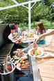 新緑の中でBBQ♪爽やかな風と焼き上げたお肉や野菜の香ばしさ。自由で格別な時間をお楽しみください♪