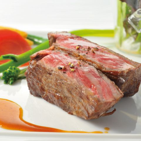国産牛サーロインステーキを始め、お肉料理が絶品!