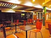 イートインスペースあり!店内でもゆっくりお茶ができます。2~4名様用のテーブル席をご用意しております。