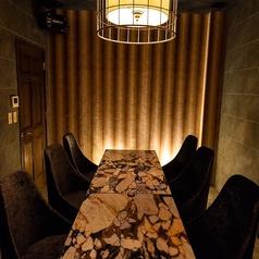 少し落ち着いた雰囲気のお部屋は最大8名様まで☆接待などの御利用にも好評頂いております。
