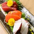 料理メニュー写真本日特選鮮魚刺身3点盛り