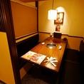 【1F/扉付テーブル個室】2部屋限定の個室は、1部屋最大4名様迄ご利用いただけます。ご予約はお早めにどうぞ!