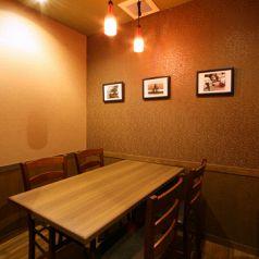 テーブル席の4名個室