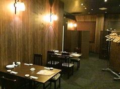テーブル席も全ての席がパーテーションで仕切られており、他のお客様とお顔を合わせる事無く、落ち着いた空間を寛げます。
