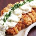 料理メニュー写真比内地鶏のチキン南蛮と自家製タルタルソース