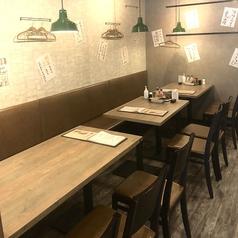 炭火野菜巻串と餃子 博多 うずまき 広島大手町店の雰囲気1