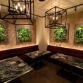 ガーデンルームは少し柔らかい雰囲気☆女子会や誕生日会などに最適な空間☆最大18名まで宴会可能です!カラオケも完備のソファ席です!