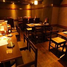 テーブル席は広々空間で宴会や歓送迎会も対応可能。もちろん少人数での飲み会にもご利用いただけますので、2軒目利用も大歓迎!~水炊き・焼鳥 とりいちず 池袋東口店~☆