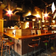 たこ焼きバル&鉄板酒場 POLPO/華丸の雰囲気1