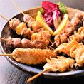 """全国各地のブランド地鶏を使用した""""地鶏の里 鶏極 新橋店""""のこだわりの地鶏料理を豊富にご用意しております。居酒屋の定番料理から、知識と経験豊富な料理長が創る、素材の旨みを生かした逸品料理を多数ご用意しております。日本酒や焼酎のお供にも最適な味付けでご提供!"""