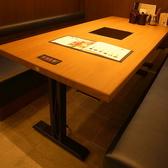 広々としたテーブル席です。お子様とご一緒でもご安心ください。