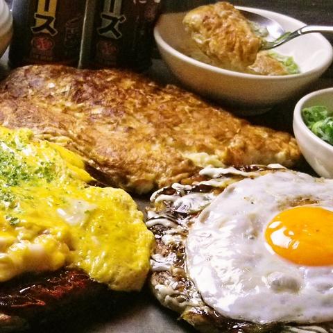 姫路名物どろ焼をはじめ、お好み焼きなどの種類も豊富。多彩な粉物料理が自慢の店!