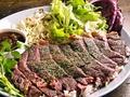 料理メニュー写真ガーリックライスビーフステーキのせ
