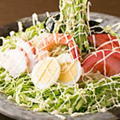 料理メニュー写真ラーメンサラダ 駒八風