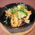 料理メニュー写真小エビとマッシュルームのアヒージョ