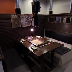 2名様~4名様用のテーブル席。