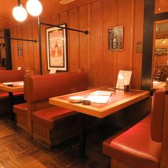 デートや女子会・ご家族連れのお客様にもピッタリ◎当店ではテーブルのお席や個室もございますが、ゆったりくつろげるソファーのお席もご用意しております♪仙台駅から徒歩圏内の好立地のキリンビアフェスタで美味しいビールとこだわりのお肉で楽しい宴会・お食事をお楽しみ下さい!