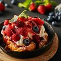 料理メニュー写真ベリーベリーベリーフレンチトースト