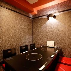 掘りごたつ個室。4名席×3室、6名席×1室