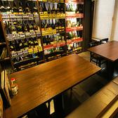 【テーブル×半個室】7~8名様で個室としてもご利用いただけます。もちろん3~4名様もオッケー◎一升瓶を目の前に今日の一杯を決めてはいかがでしょう♪