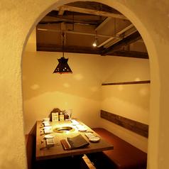 【2階席の半個室】6名掛けのお席が3つございます。人気のお席の為、早めのご予約をオススメします。