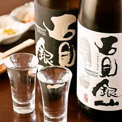 日本酒バル萬亮の雰囲気1