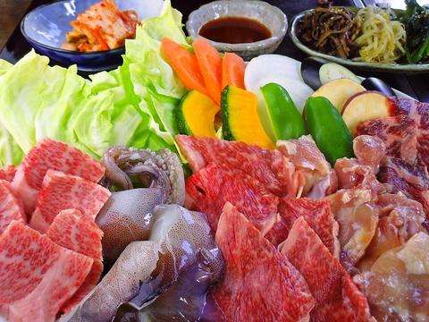 A4ランクの肉を秘伝のタレで食べられる。焼肉だけではないこだわりの料理が楽しめる。