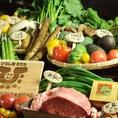 県産の野菜をたくさん使って鮮魚や地酒の味を引き立てます