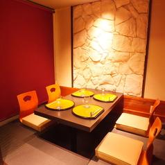 接待や会社宴会にも最適な個室となっております。