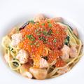 料理メニュー写真北海道産鮭とイクラのアーリオ・オーリオ