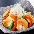 料理メニュー写真自家製鶏ハムサラダ