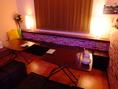 貸切スペースの1Fテーブル席。リニューアルしたばかりの店内は綺麗&照明もオシャレ♪
