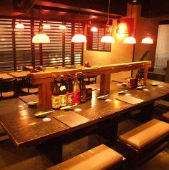 自慢の大テーブルは2名様~貸切やご宴会もOK
