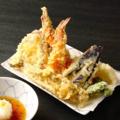 料理メニュー写真船内で揚げる天ぷら