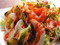 料理メニュー写真カラカラ海鮮サラダ