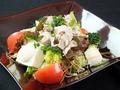 料理メニュー写真豚しゃぶと豆富のごまサラダ